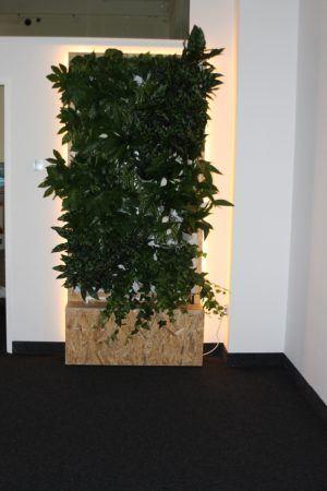 5-Ściana-zielona-tlenowa-newgardenstyle-nowoczesne-ogrody-ogrody-wertykalne-300x450